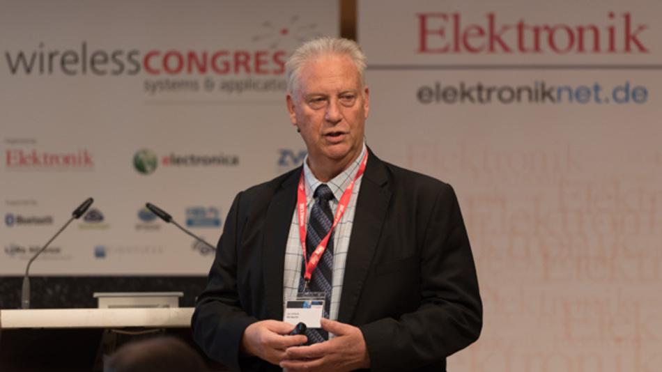 Bild 2.  Len Jelinek, leitender Direktor und Chefanalyst bei IHS Markit, sprach in seiner Keynote auch die Chancen an, die 5G für IIoT bietet.