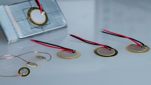 Kleine und große Sensoren mit knapp 1 cm bis 2 cm Durchmesser.