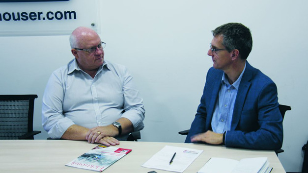 Graham Maggs, Marketing-Director EMEA bei Mouser, im Gespräch mit Elektronik-Chefredakteur Gerhard Stelzer im Münchner Mouser-Büro.