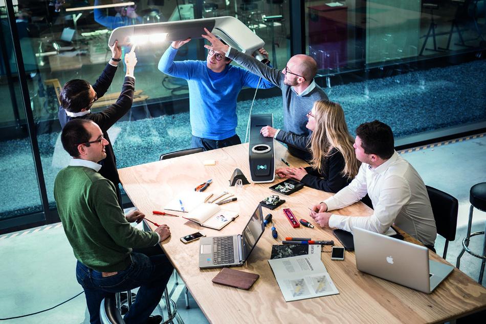 Das Team von eluminocity entwickelte die Integration von Ladepunkten in die bestehende Infrastruktur.