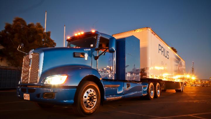 Der neue Brennstoffzellen-Lastwagen von Toyota, mit dem die Japaner dem batteriebetriebenen Truck von Tesla die Stirn bieten wollen.  Jetzt baut Toyota die weltgrößte Fabrik zur Erzeugung von Wasserstoff für Brennstoffzellen.