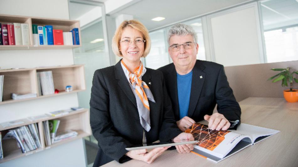 Carmen Kothe und Horst Kalla sind bei Weidmüller für die Fachpresse zuständig