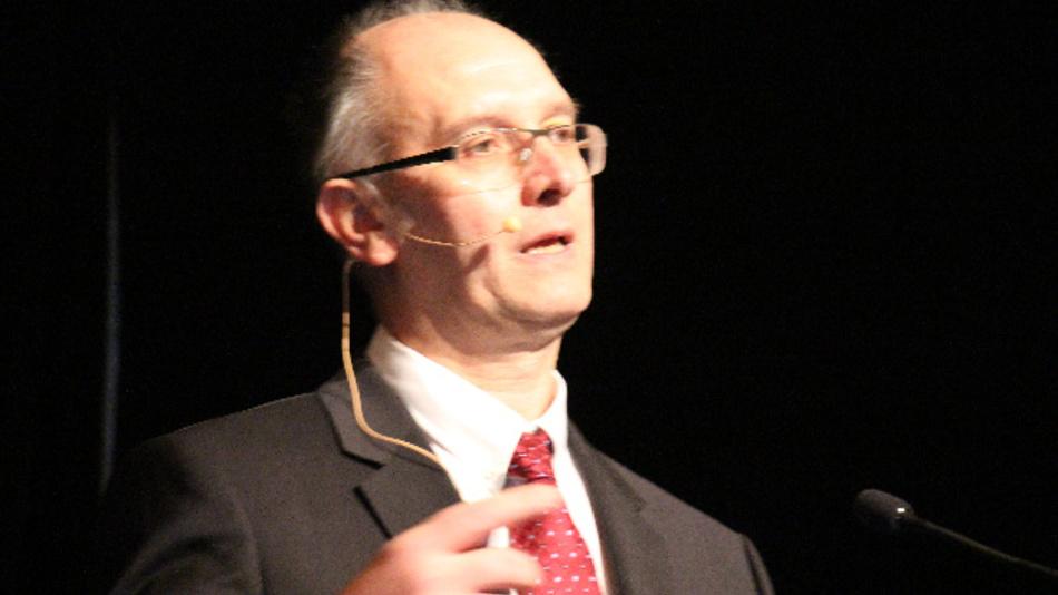 Den Europäischen Part der IEDM-Keynotes übernahm in diesem Jahr Prof. Adrian M. Ionescu vom Nanolab der föderalen polytechnischen Hochschule Lausanne EPFL.