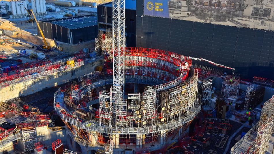 Die Baustelle des Fusions-Forschungsreaktor Iter in Saint-Paul-lès-Durance (Frankreich). Der Reaktor soll 2025 in Betrieb gehen.
