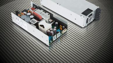 500 W AC/DC-Netzteil GCU500 in U-Chassis eingebaut