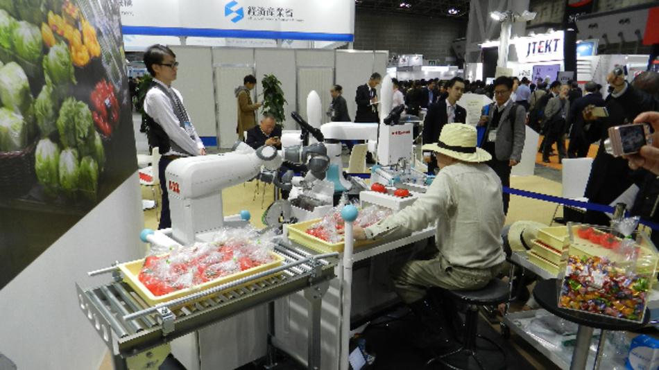 Auf der Roboter-Fachmesse iREX in Tokyo haben ABB und Kawasaki Robotics vor kurzem ihre Zusammenarbeit angekündigt.