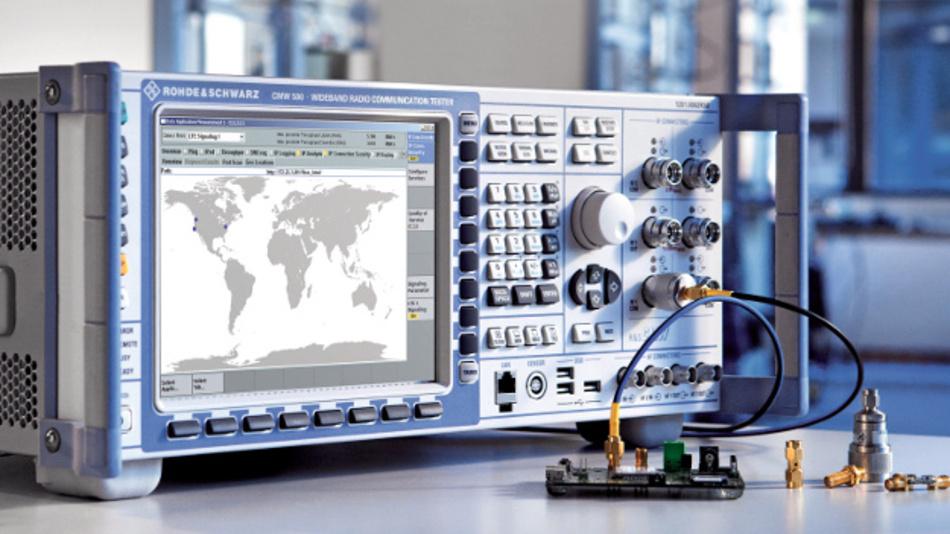 Der CMW500 analysiert die Netzaktivitäten funkender Geräte.
