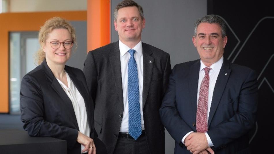 Der Vorstand der Weidmüller Gruppe um Elke Eckstein (Vorstand Operations und Chief Digital Officer), Jörg Timmermann (Vorstandssprecher und Finanzvorstand) und José Carlos Álvarez Tobar (Vertriebsvorstand) ist mit dem Jahr 2017 sehr zufrieden.