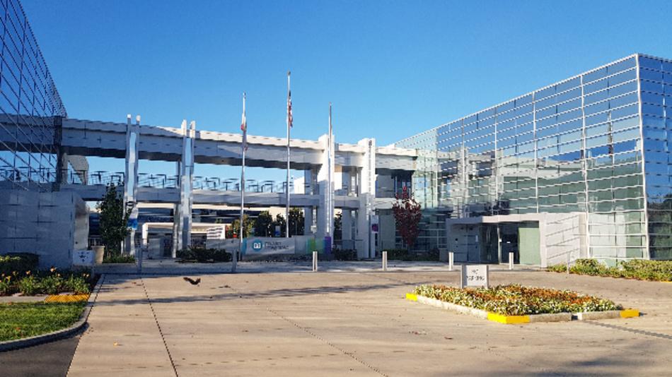 Haupteingang in die Unternehmenszentrale von Maxim Integrated in San Jose