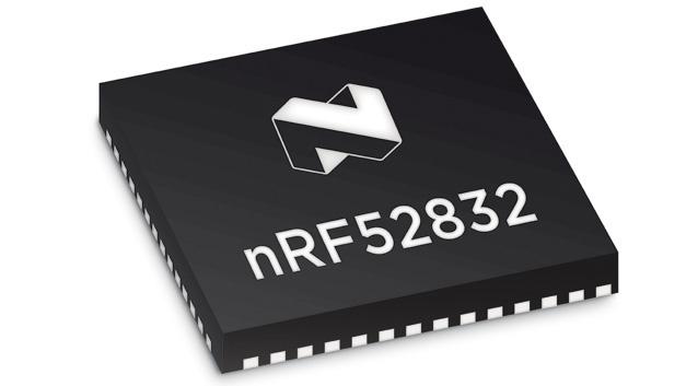 Der SoC nRF52832 sorgt für die schnelle Verbindung und die Datenübertragung.