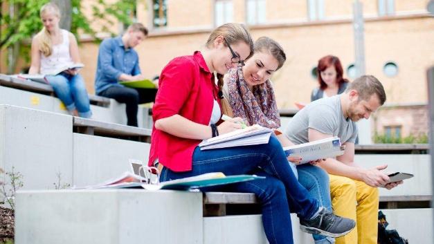 Am Freitag, den 26. Januar informiert die Hochschule Aschaffenburg über das Fernstudium.