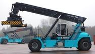 Konecranes setzt für seinen »Hybrid Reach Stacker SMV 4531 TB5 HLT« auf sechs Superkondensatoren zur Speicherung von rückgewonnener Energie.