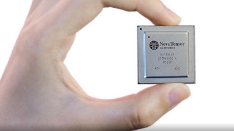 Das KI-ASIC liefert 15 TFLOPS/s bei weniger als 5 W.