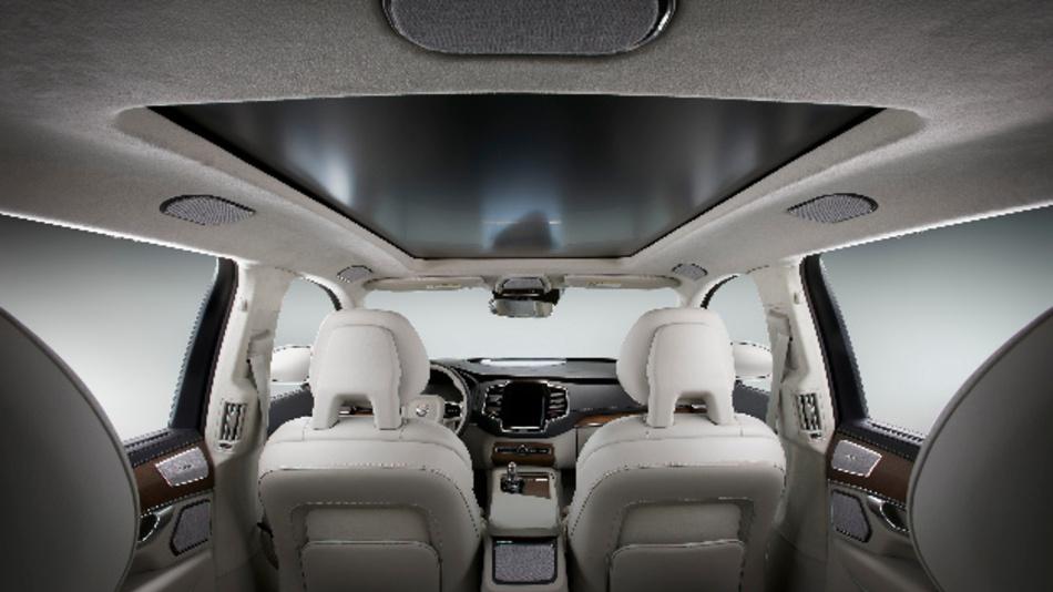 Harman sorgt mit »Configurable Entertainment« und »Moodscape« für personalisierten Komfort im Fahrzeuginnenraum.