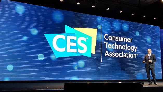 Gary Shapiro, President und CEO der Consumer Technology Association, moderierte jeden Keynote-Sprecher selbst an, also auch Richard Yu von Huawei.