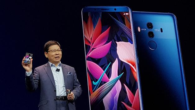 Richard Yu, CEO der Huawei Consumer Business Group, stellte die Technik des neuen Flaggschiff-Smartphones Huawei Mate 10 Pro in den Mittelpunkt seiner Keynote.