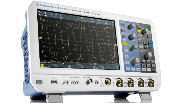 Die Bandbreite des R&S RTM 3004 ist per Softwarelizenz erweiterbar. Intern arbeitet ein 10-Bit A/D-Umsetzer.