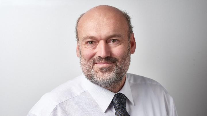 Detlef Beer, Leiter Produktentwicklung SP von Viscom und Certified IPC Specialist: »Das mittelfristige Ziel ist ein kompletter Wechsel von SMEMA zu Hermes. Für die Übergangsphase können aber auch beide Standards parallel in einer Linie betrieben werd