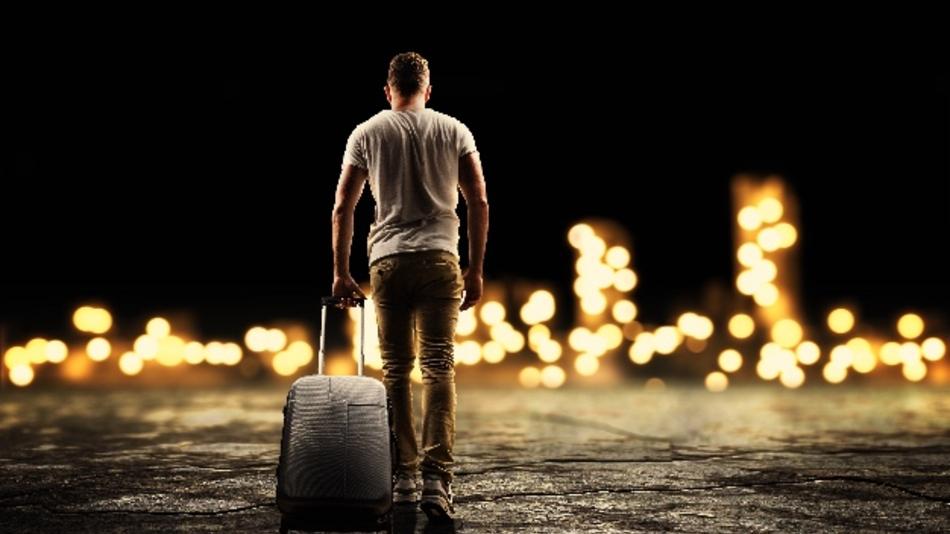 Koffer packen und weg? Was bei der Entsendung zu beachten ist, erklärt Dr. Tanja Peterhänsel.