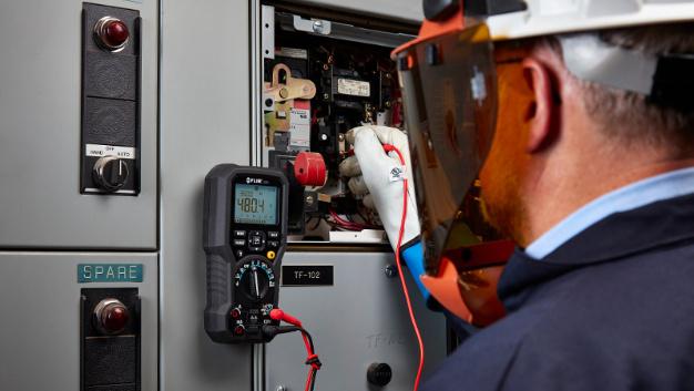 Das Digital-Multimeter DM91 mit Datenlogger und Bluetooth wurde für Industrieelektriker und Prüfstandsmitarbeiter entwickelt.