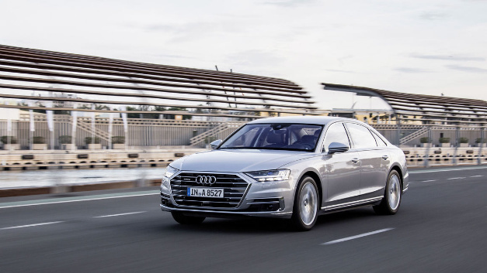 Das Lichtpaket des aktuellen Audi A8 kommt von Hella.