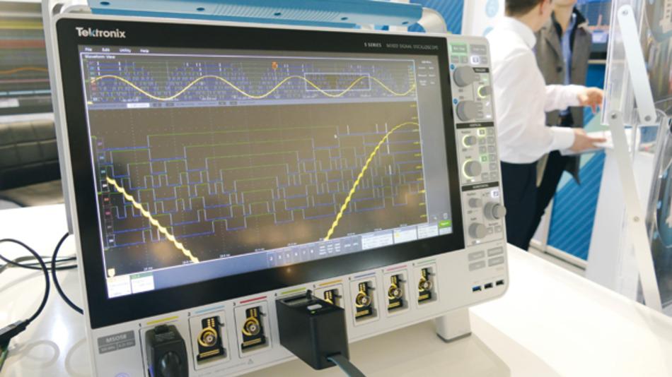 Fokus auf Benutzerfreundlichkeit: Die MSO5-Oszilloskope von Tektronix werden über ein großes 15,6-Zoll-Touchdisplay und intuitiver grafischer Benutzeroberfläche bedient.