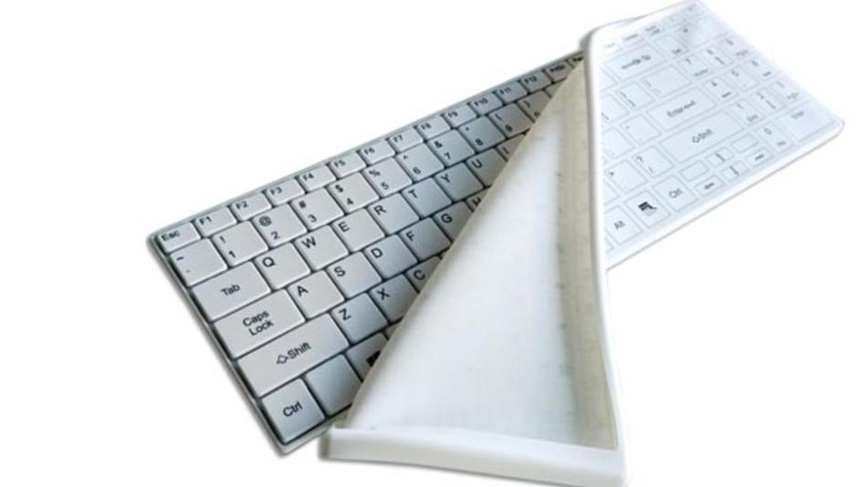 Die Cool-Flat-Tastatur ist mit dem Silikon-Schutzbezug komplett wasserdicht.