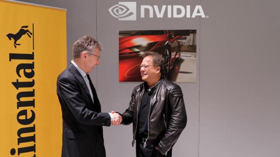 Continental CEO Dr. Elmar Degenhart (links) und Nvidia Gründer und CEO Jensen Huang (rechts) werden gemeinsam künstliche Intelligenz für selbstfahrende Fahrzeuge entwickeln.