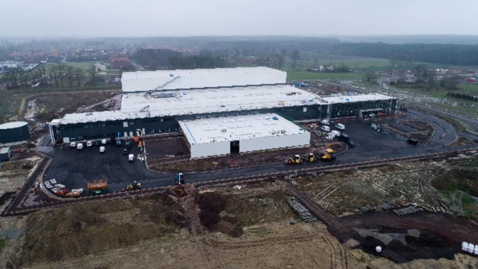 Der Berliner Flughafen kann sich von Harting eine Scheibe abschneiden: Die Baumaßnahmen am neuen Logistikzentrum in Espelkamp liegen gut zwei Wochen vor dem ursprünglichen Zeitplan.