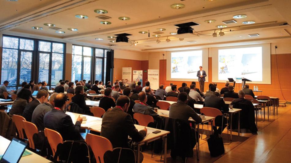 Rund 220 Teilnehmer, Referenten und Aussteller trafen sich im Konferenzzentrum München,  um sich in insgesamt 23 Vorträgen über aktuelle Entwicklungen und Trends in der Leistungshalbleiter-Branche zu informieren und einen intensiven Erfahrungsaustausch über den möglichst effizienten Einsatz  der Leistungshalbleiter zu führen.