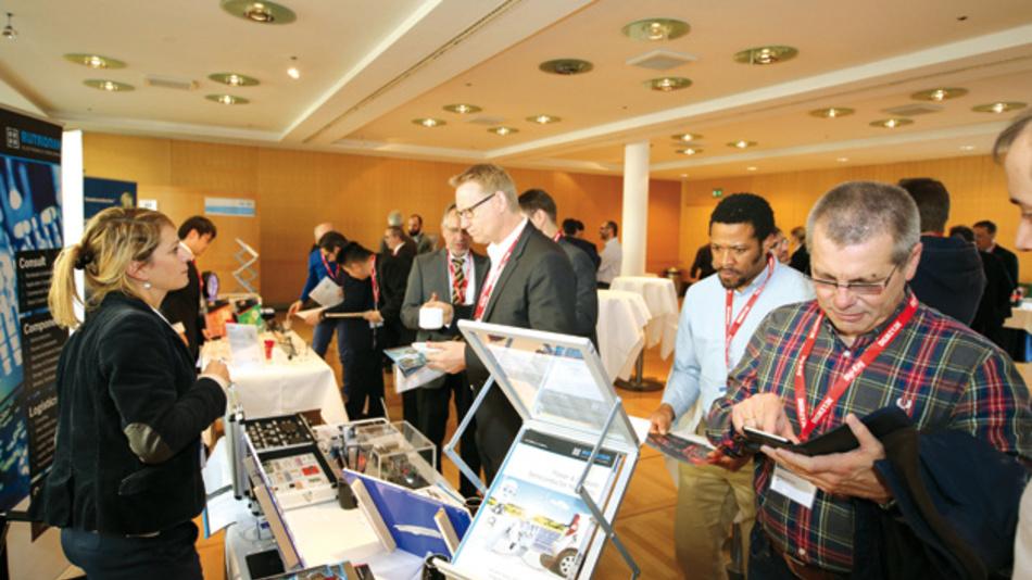 Das Interesse an den Informationen der Aussteller auf der begleitenden Table-Top-Ausstellung war groß in den Pausen.