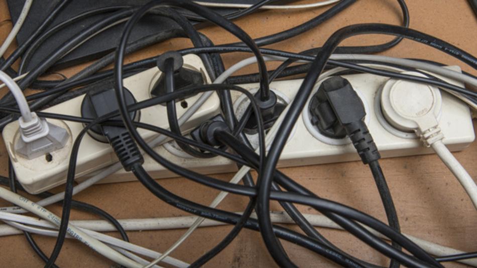 Den Kabelsalat an den Steckdosenleisten wird Wireless Power noch nicht ganz beseitigen können.