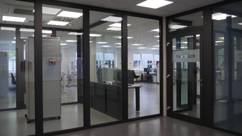 Prüfstände aus eigener Entwicklung auf 300 m²: Rohm eröffnet bei Düsseldorf ein europäisches  Testlabor für Leistungselektronik.