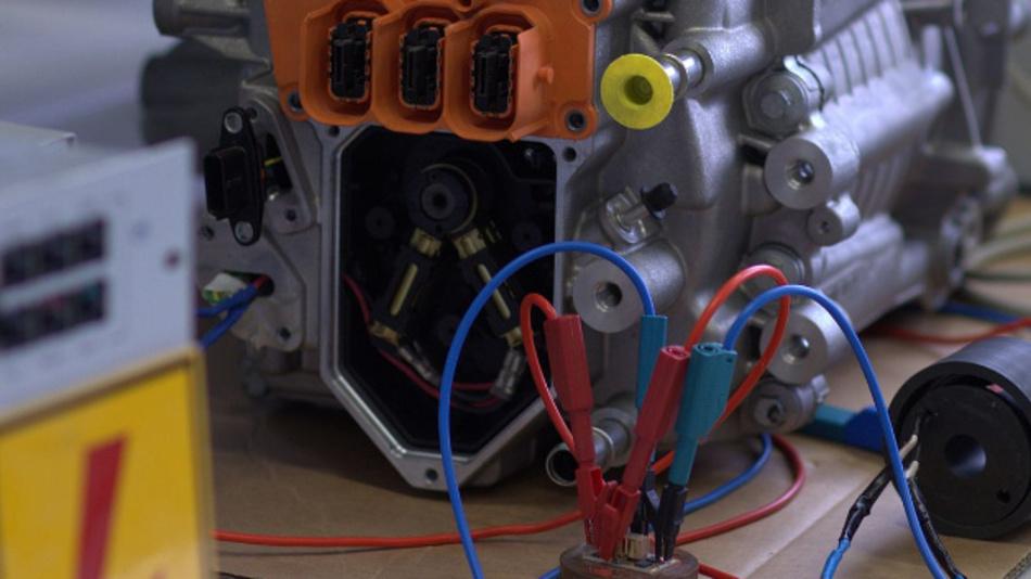 Versuchsaufbau im Rahmen des Projekts »Rotorzustandsschätzung für fremderregte Synchronmaschinen« an der TH Nürnberg.