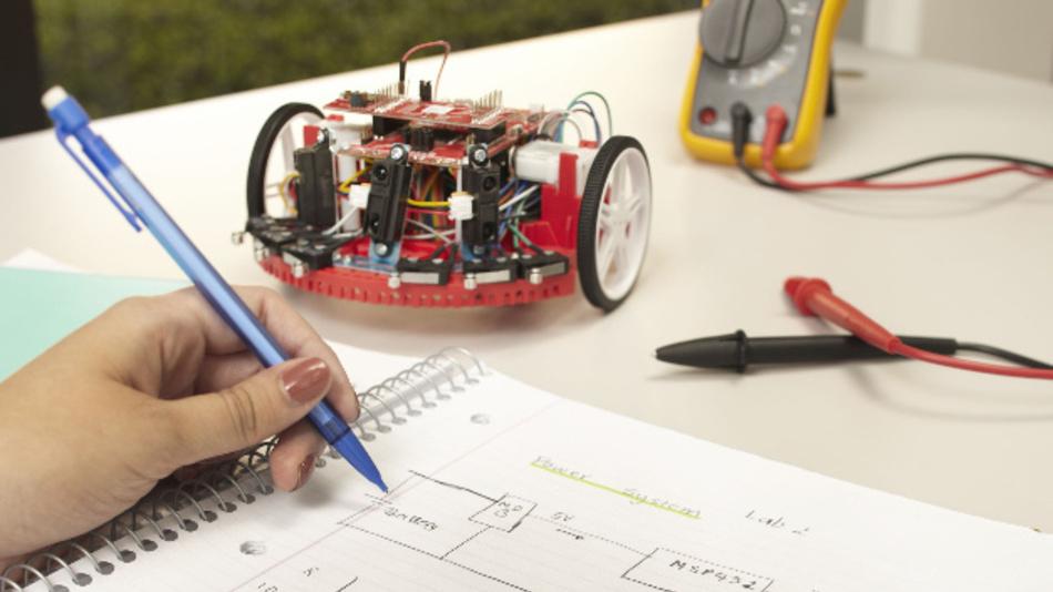 Das TI-RSLK (Robotics Systems Learning Kit) Basic Kit vermittelt Studenten die Grundlagen eines elektronischen Systems.