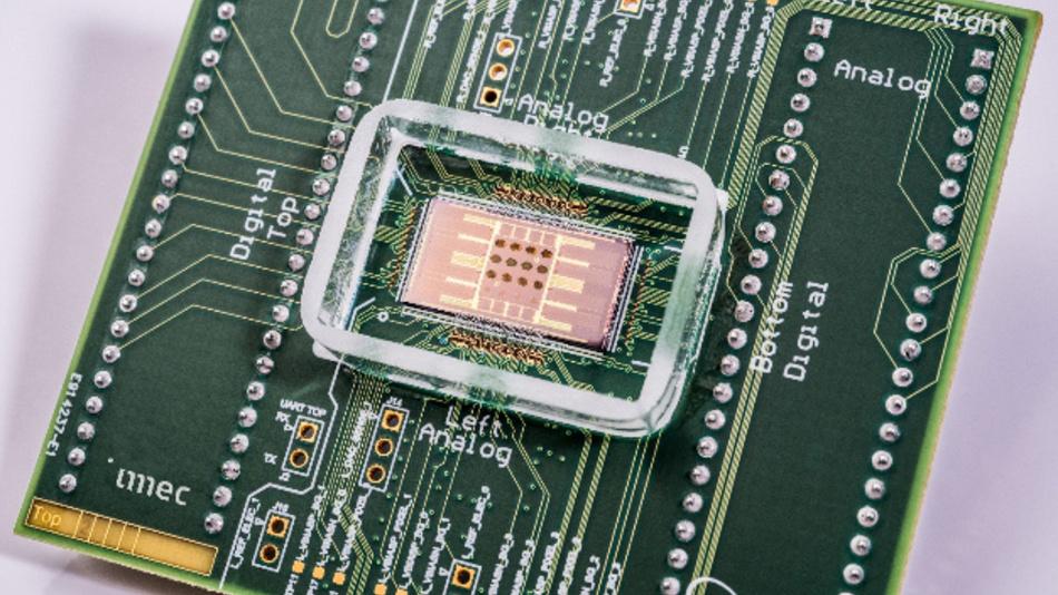Ein Sensor-Array für elektrophysiologische Untersuchungen, das sich nicht nur durch einen hohen Durchsatz auszeichnet, sondern auch unterschiedliche Messmethoden unterstützt.