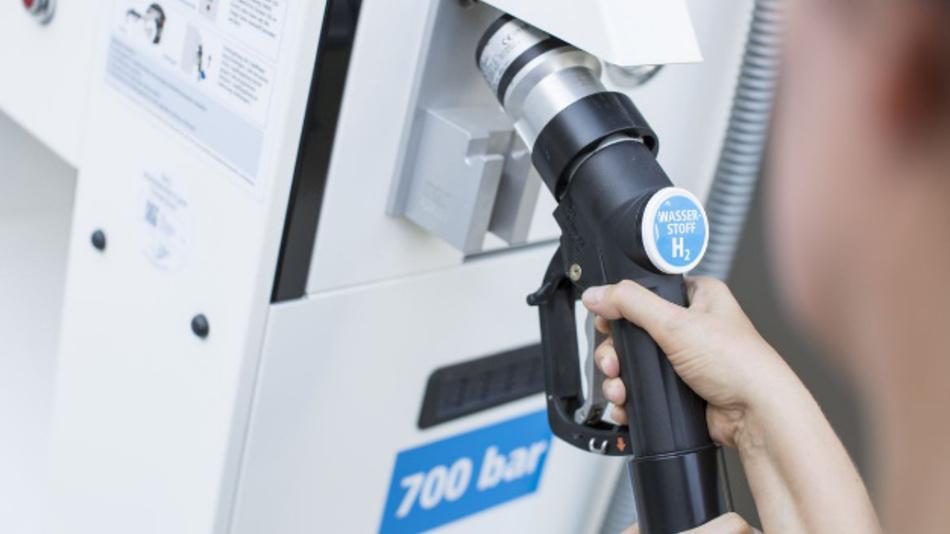 Wasserstoff-Tankstelle am Zentrum für Sonnenenergie- und Wasserstoff-Forschung Baden-Württemberg in Ulm.