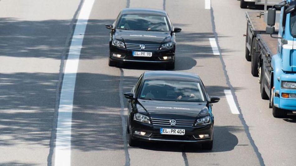 Volkswagen will ab 2019 konzernweit den WLANp-Standard in Volumenmodellen einführen und so die Verkehrssicherheit den Verkehrsfluss verbessern.