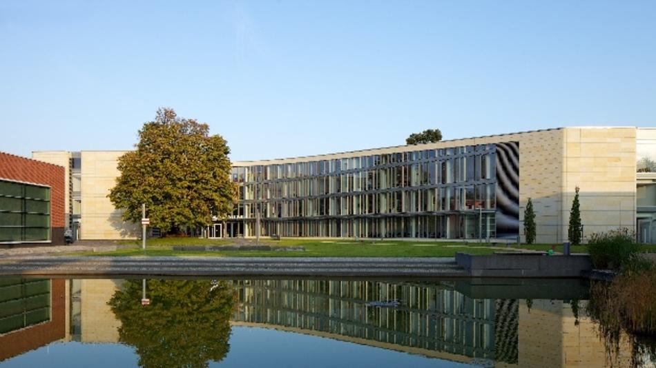 Das Hasso-Plattner-Institut soll erweitert werden - ein deutsches Stanford ist der Plan. Doch Lokalpolitiker sorgen sich um die Bäume.