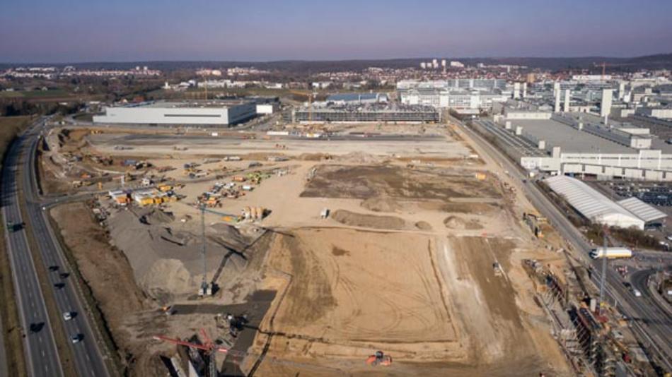 In Sindelfingen entsteht mit der Factory 56 die Autofabrik der Zukunft von Mercedes-Benz. Hier werden nicht nur die neue S-Klasse, sondern auch das erste Fahrzeug der Technologiemarke EQ vom Band laufen.