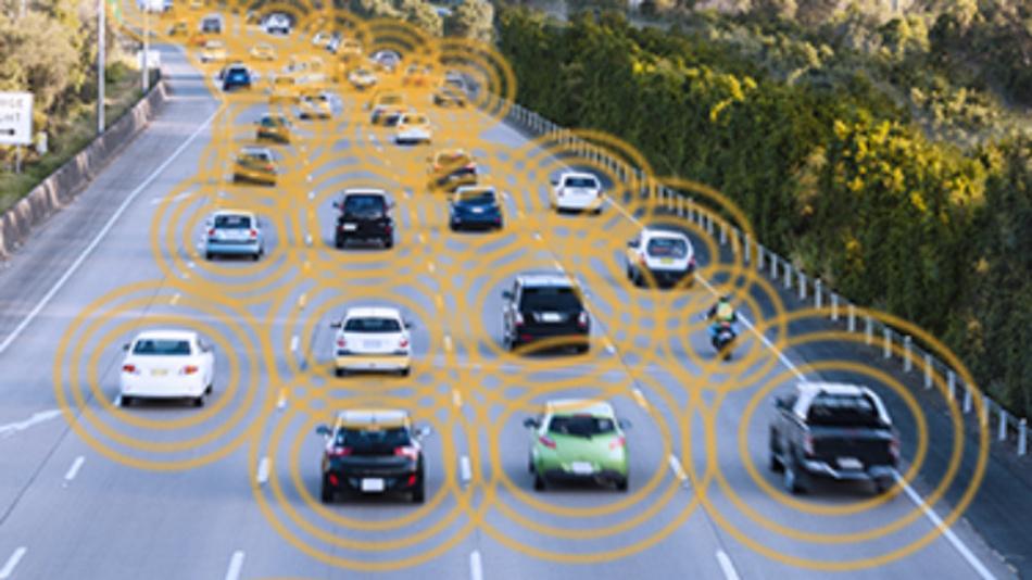 Die Sicherheit im künftigen Straßenverkehr ist von der Datenanbindung in der V2X-Kommunikation abhängig.