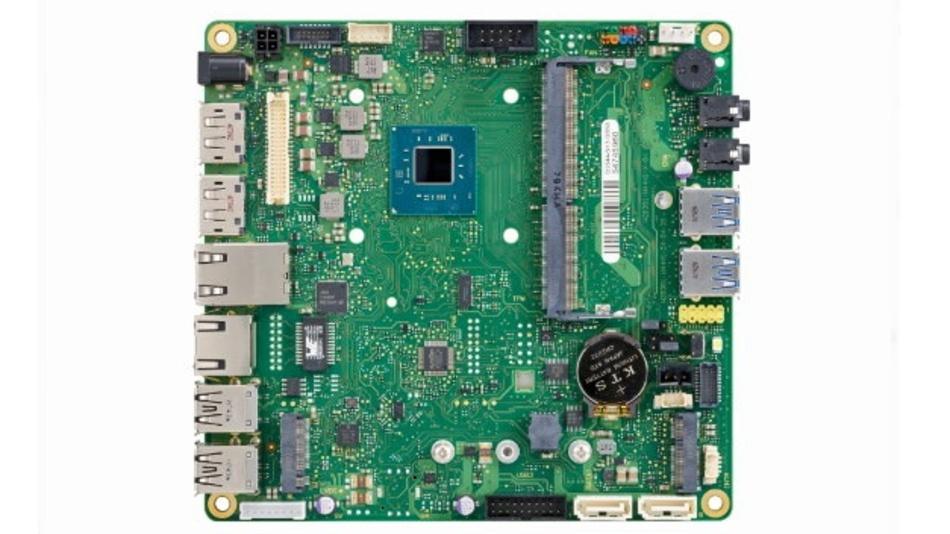 """Mit dem industriellen Mainboard """"D3544-S"""" unterstützt jetzt auch Fujitsu das Mini-STX-Format für Embedded-Anwendungen."""