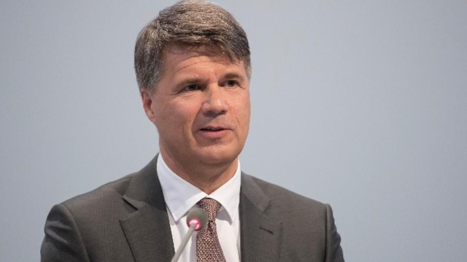 """Wir geben unseren Mitarbeitern, Kunden und der Politik eine glasklare Botschaft mit: Die BMW Group baut die saubersten Dieselmotoren der Welt"""", bekräftigt der VorstandsvorsitzendeHarald Krüger noch vor Kurzem."""
