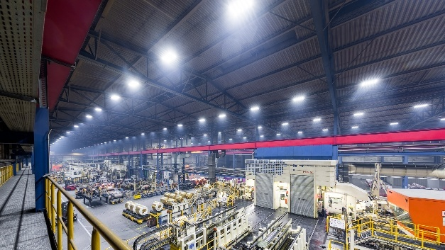 Deutsche Lichtmiete: LED-Beleuchtung in Produktionshallen ...