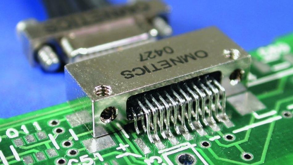 Nanosteckverbinder von Omnetics bieten kompakte SMD-Formate für kleine Leiterplatten wie sie in Messinstrumenten oft vorkommen.