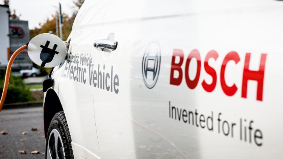 Verbrenner und Elektromobilität haben aus Sicht von Bosch das Potenzial, die Luftqualität in Städten zu verbessern.