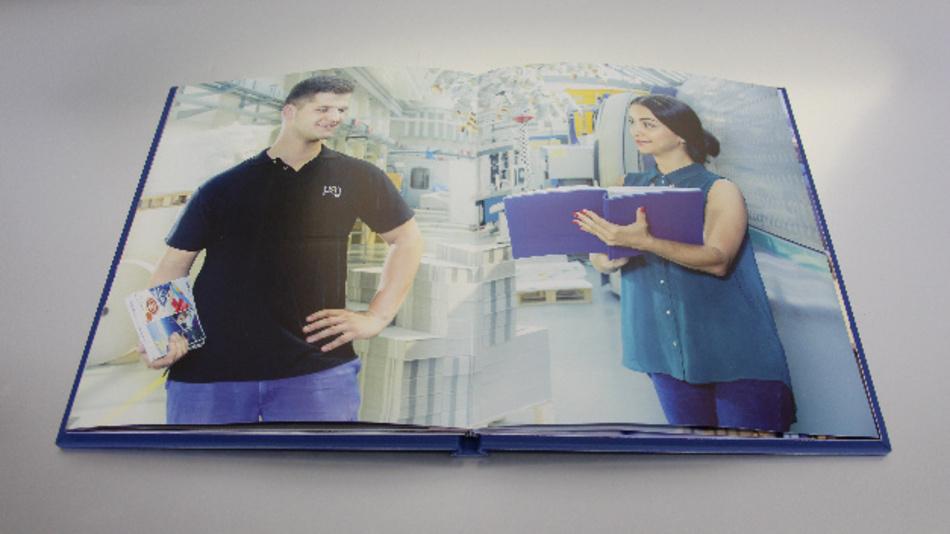 Interaktives Buch mit integrierten, gedruckten Lautsprechern
