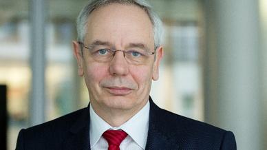 Michael Vassiliadis, Vorsitzender der Gewerkschaft IG Bergbau, Chemie, Energie (IG BCE), kritisiert die Energiewende.