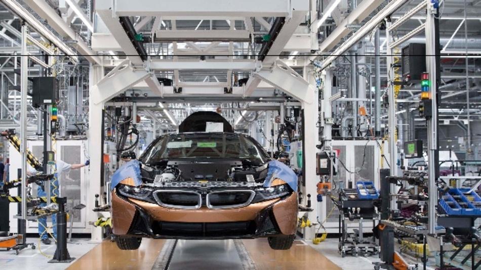 Serienproduktion des BMW i8 Roadster in Leipzig gestartet