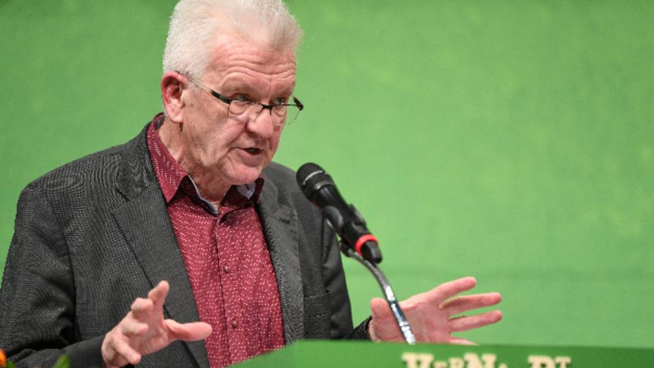 Winfried Kretschmann (Bündnis 90/Die Grünen), Ministerpräsident von Baden-Württemberg, fordert bundeseinheitliche Regelung zu möglichen Diesel-Fahrverboten.